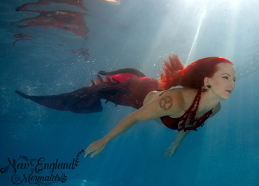 Pictures of professional mermaids, photos of real mermaids, professional mermaid pictures, underwater mermaid photography